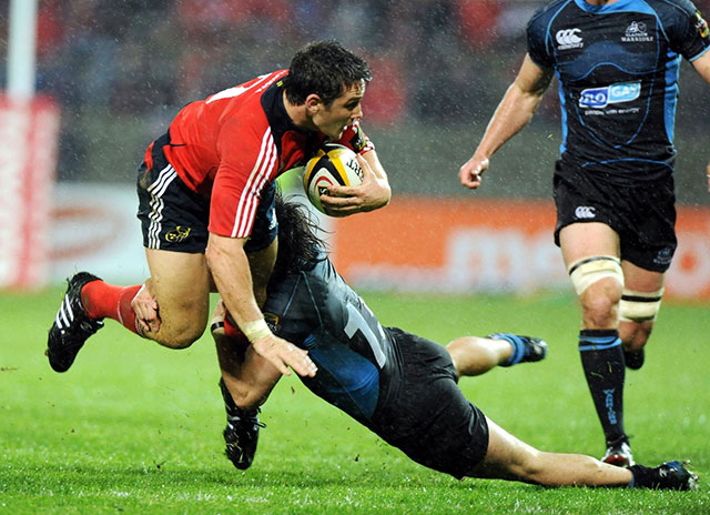 Wallace in action for Munster in 2008