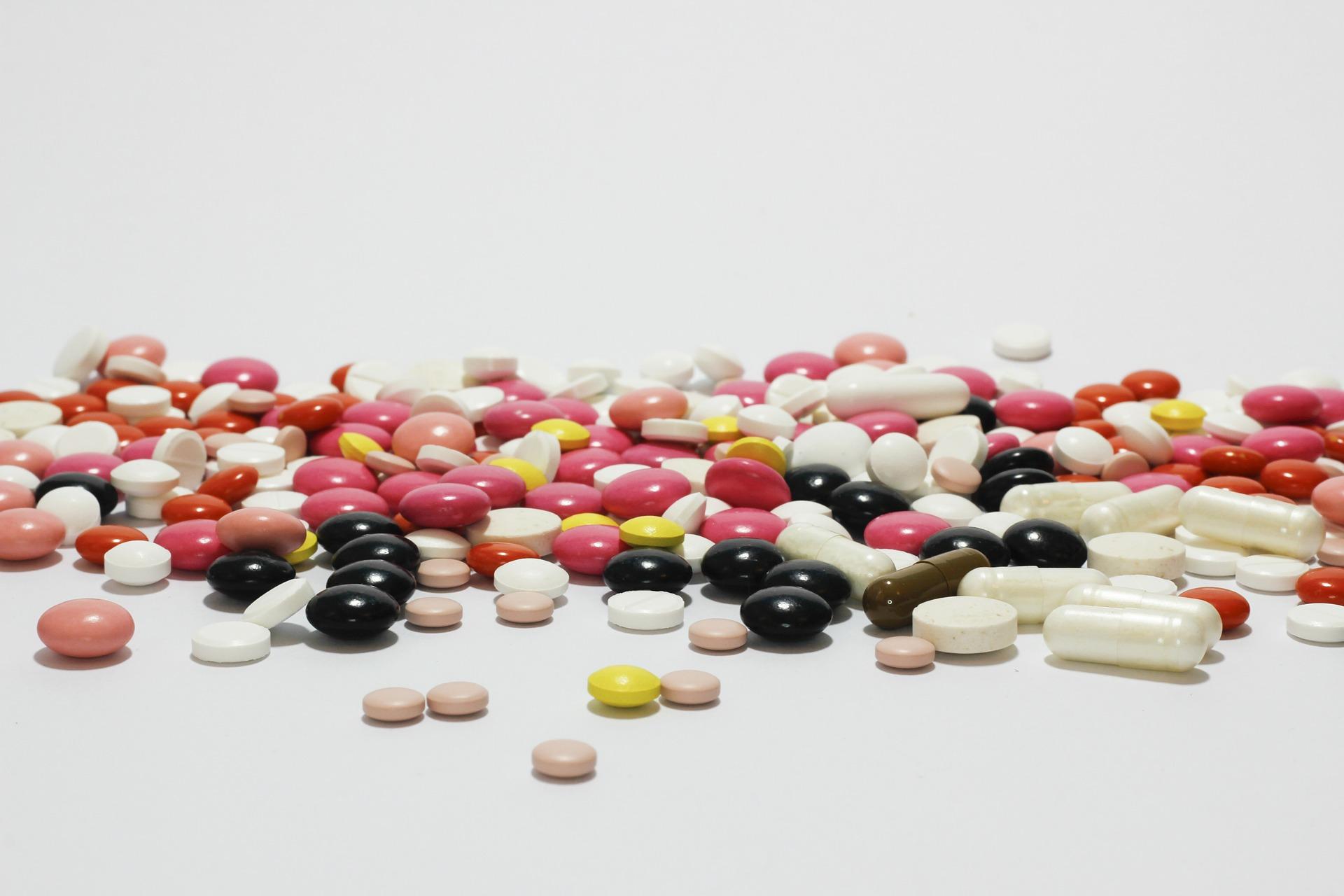 medications-342458_1920